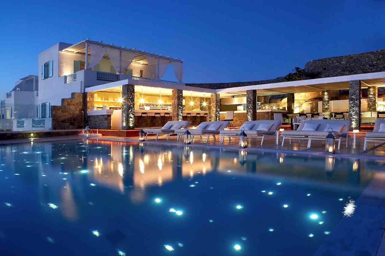 The 5 best hotels in mykonos lena 39 s blackbook for Top design hotels mykonos